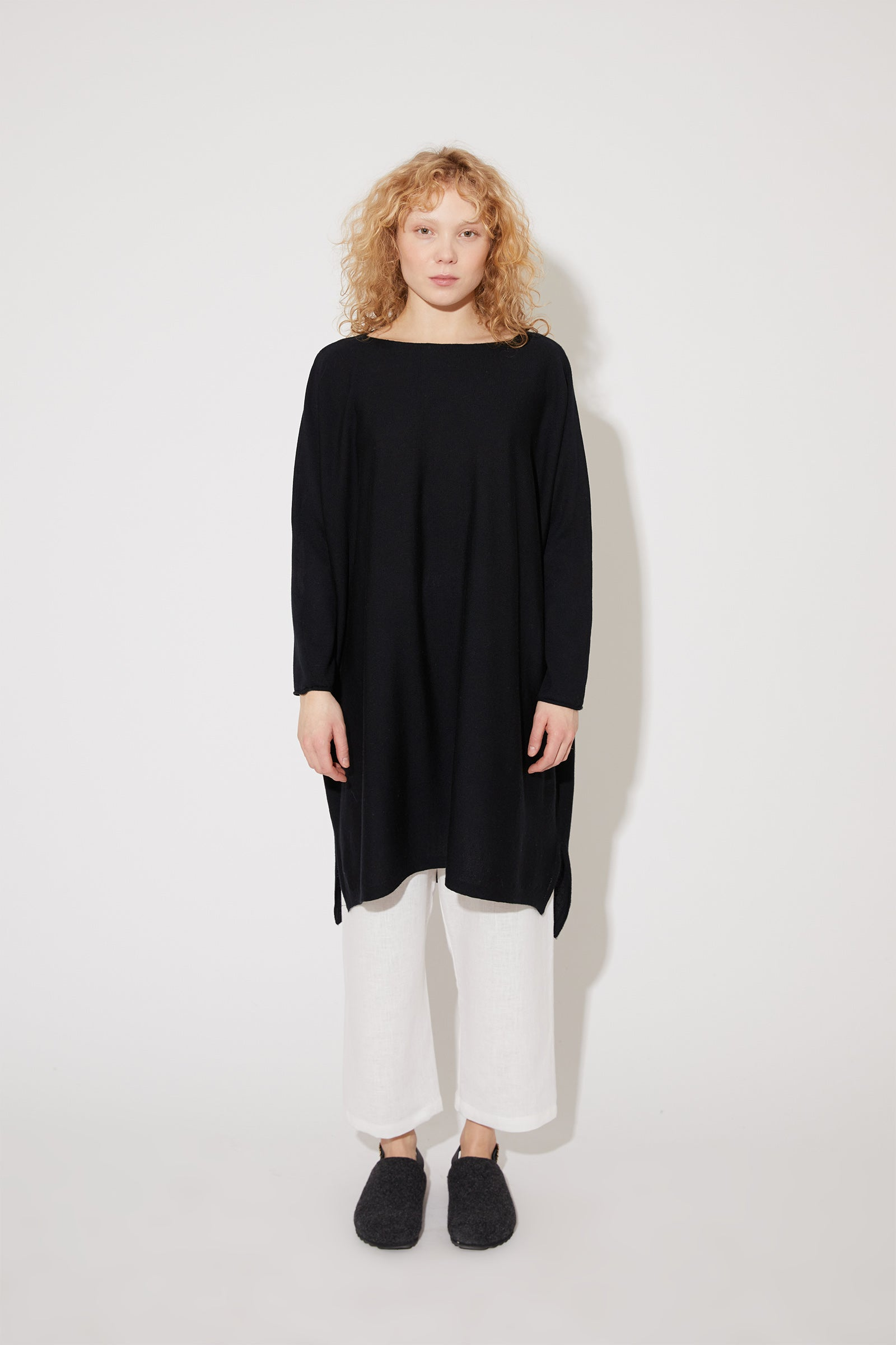 Eelia merino dress in black