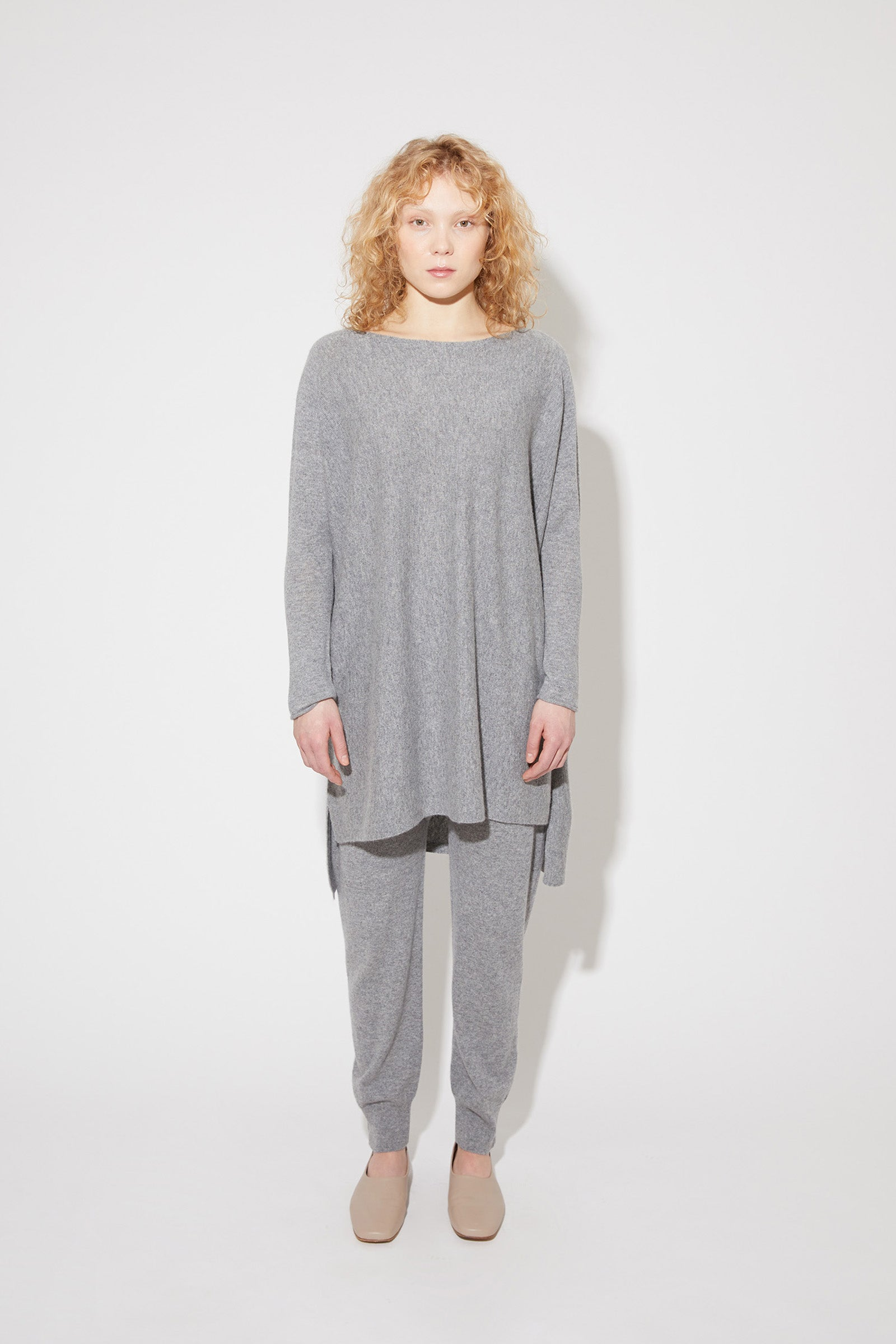 Eelia cashmere tunic in grey