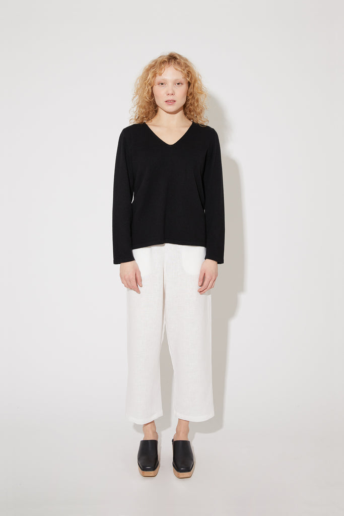 Vija sweater in black