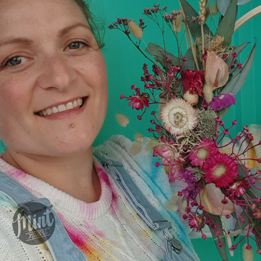 DREAMY DRIED FLORAL WREATH WORKSHOP - Thur 17th Dec 2020