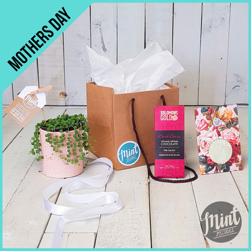 BEST MUM IN THE UNIVERSE GIFT BAG - *MOTHERS DAY ONLY*