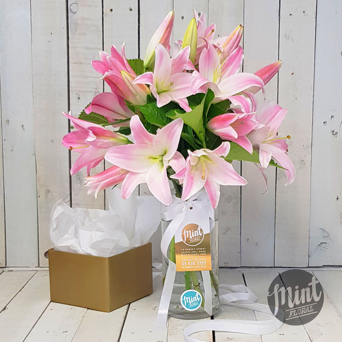 Scented Pink Lily Bouquet in Glass Vase
