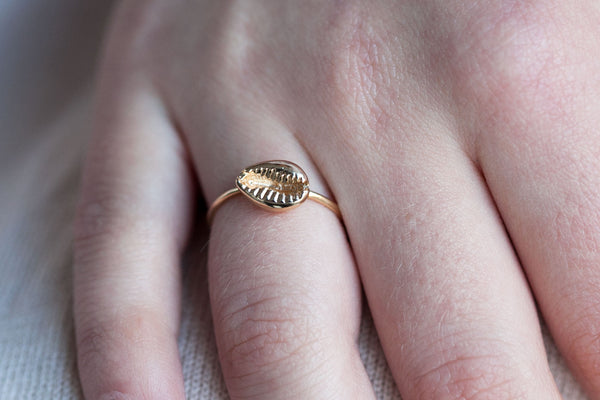 Bague ajustable coquillage plaqué or