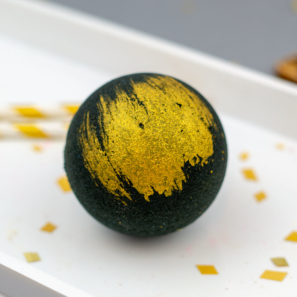 Black & Gold Bath Bomb
