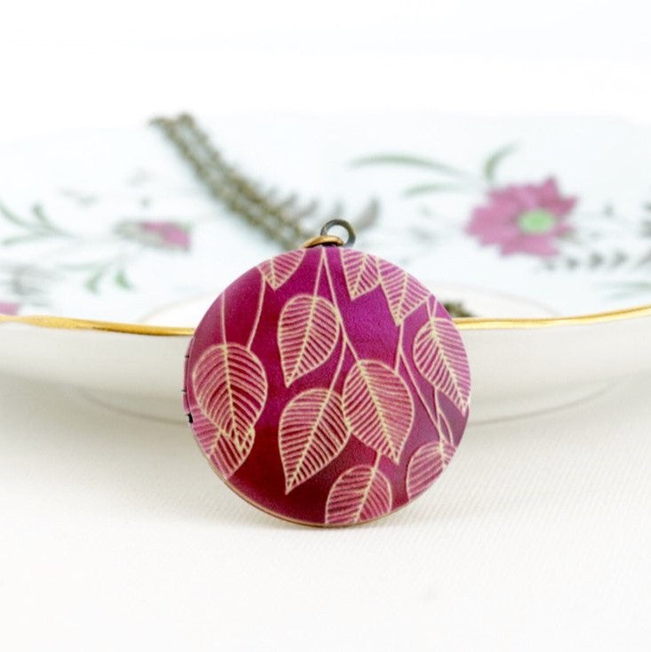 Round Burgundy Locket Pendant Necklace - Jacaranda