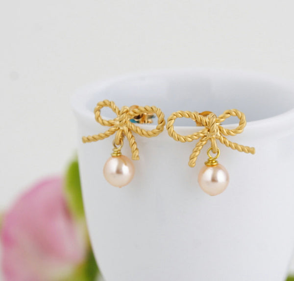 Blush Pearl Gold Earrings