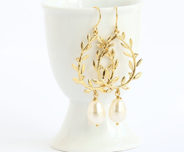 Pearl Laurel Earrings - Gold - Jacaranda