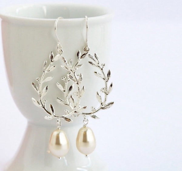 Silver Pearl Dangle Earrings - Pearl Earrings - Wedding Earrings - Bridesmaid Earrings - Dangle Earrings - Gift For Woman - Jacaranda