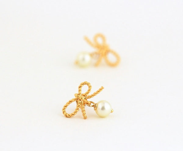 Ivory Pearl Gold Bow Earrings - Jacaranda