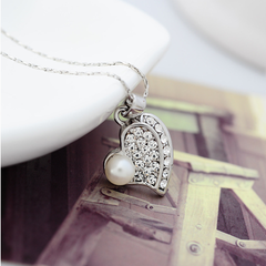 Pure and Fresh Pearl Heart Pendant