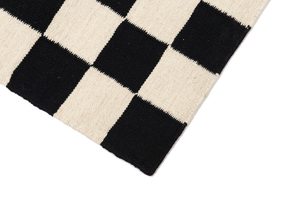 Checkmate Flat-Weave Rug Black & White