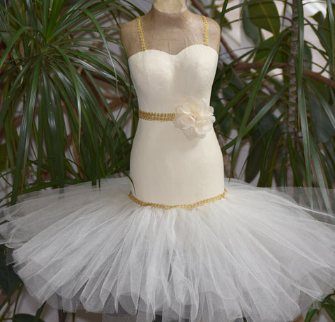 Mermaid Wedding Dress with Tulle Skirt Centerpiece