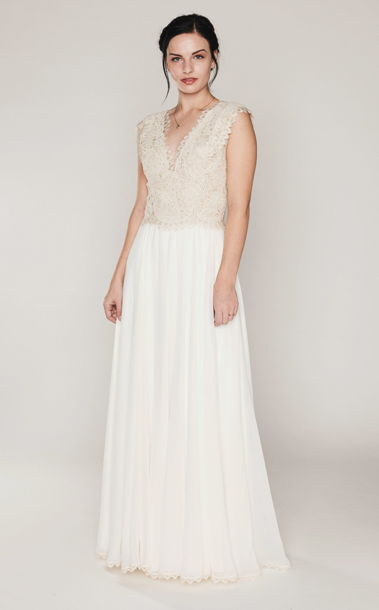 Martin mccrea wedding dresses simple elegant vintage inspired megan junglespirit Gallery