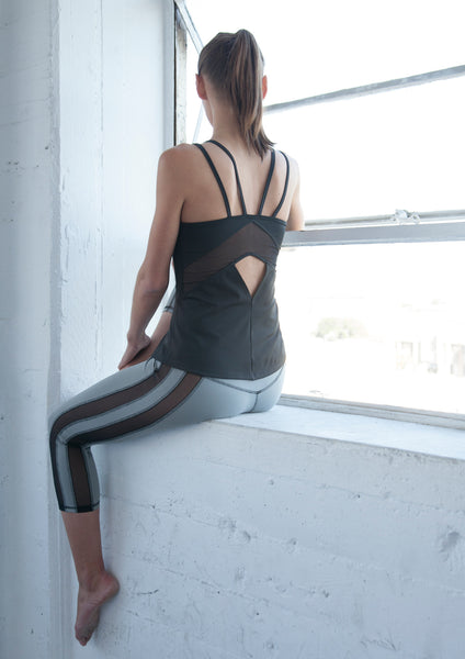 black workout top sale