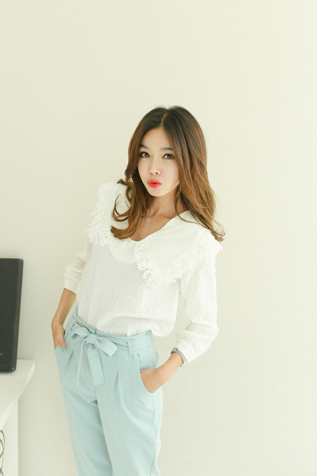 Baby Collar Lacy Blouse