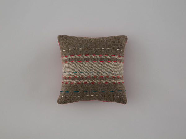 mini-cushion3-front-25x25-skinnywolf-116