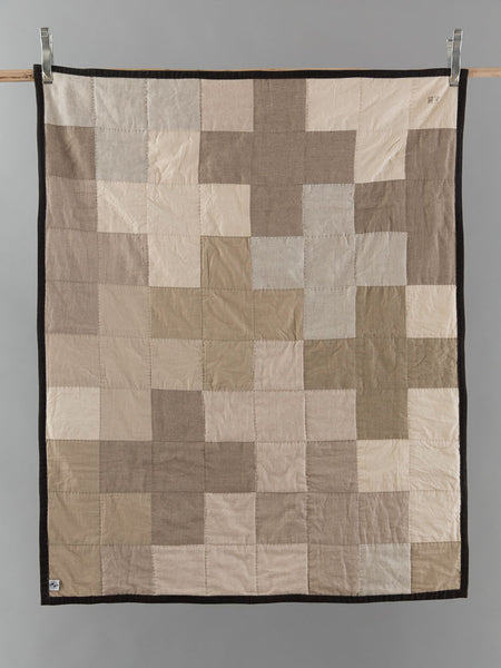 Ladies Love Linen Quilt