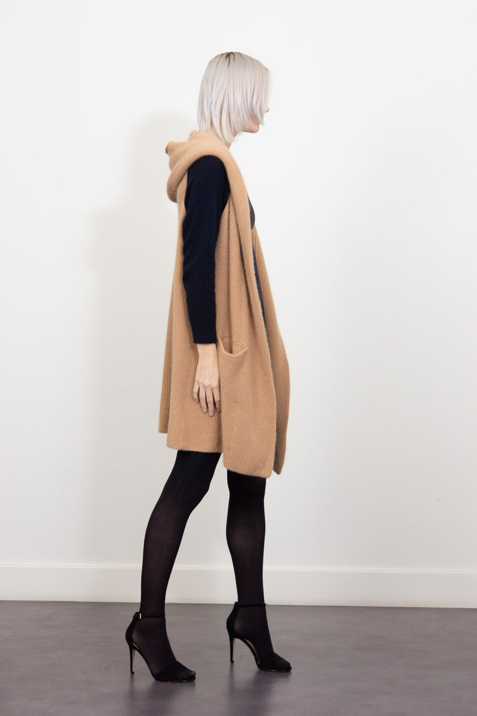 Oversized woollen cardigan with hood