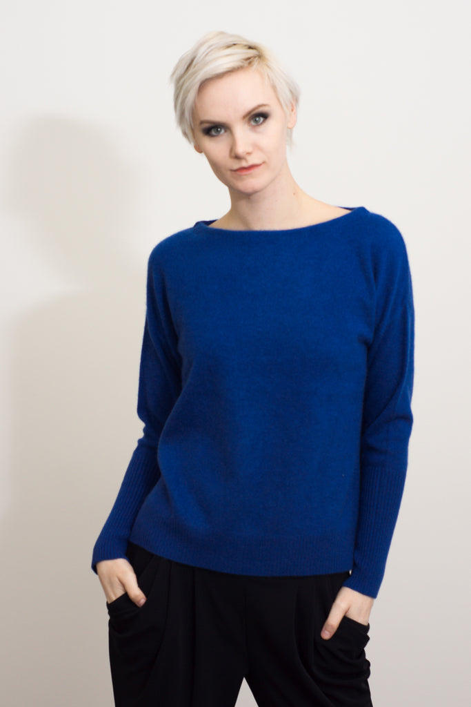 Long sleeved cashmere jumper