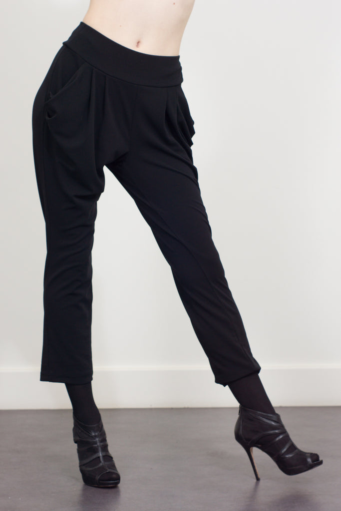 drape trousers