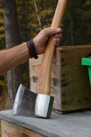 Hultafors: Traditional Spitting Axe