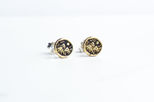 Wander Studs in Bronze