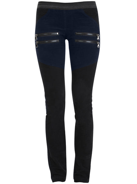Velour leggings with good stretch and soft hand feel. Different panels which has a slimming effect on front legs, side pockets and at the back.