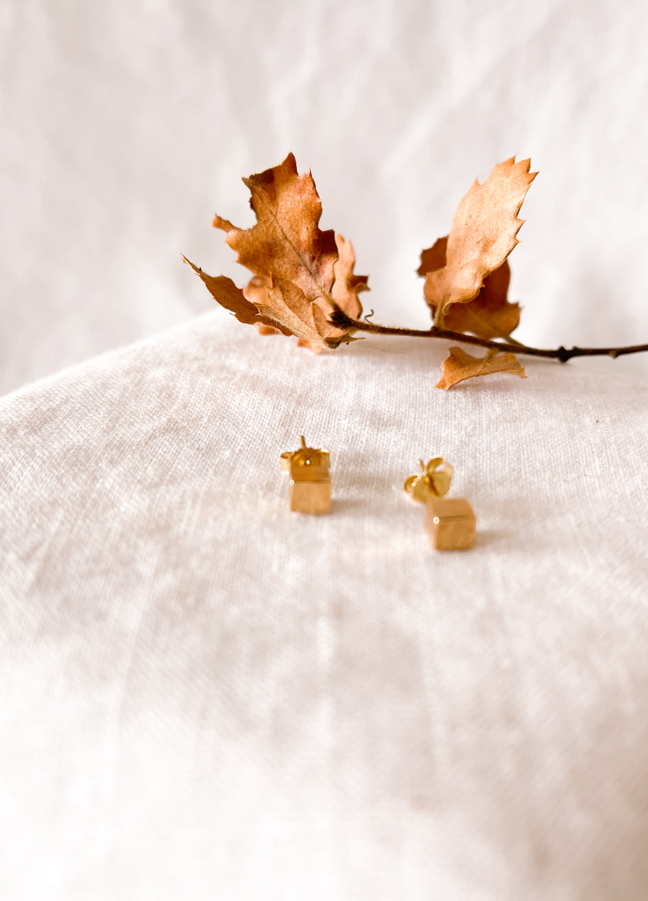 Giantlion Yellow Gold Cube Studs