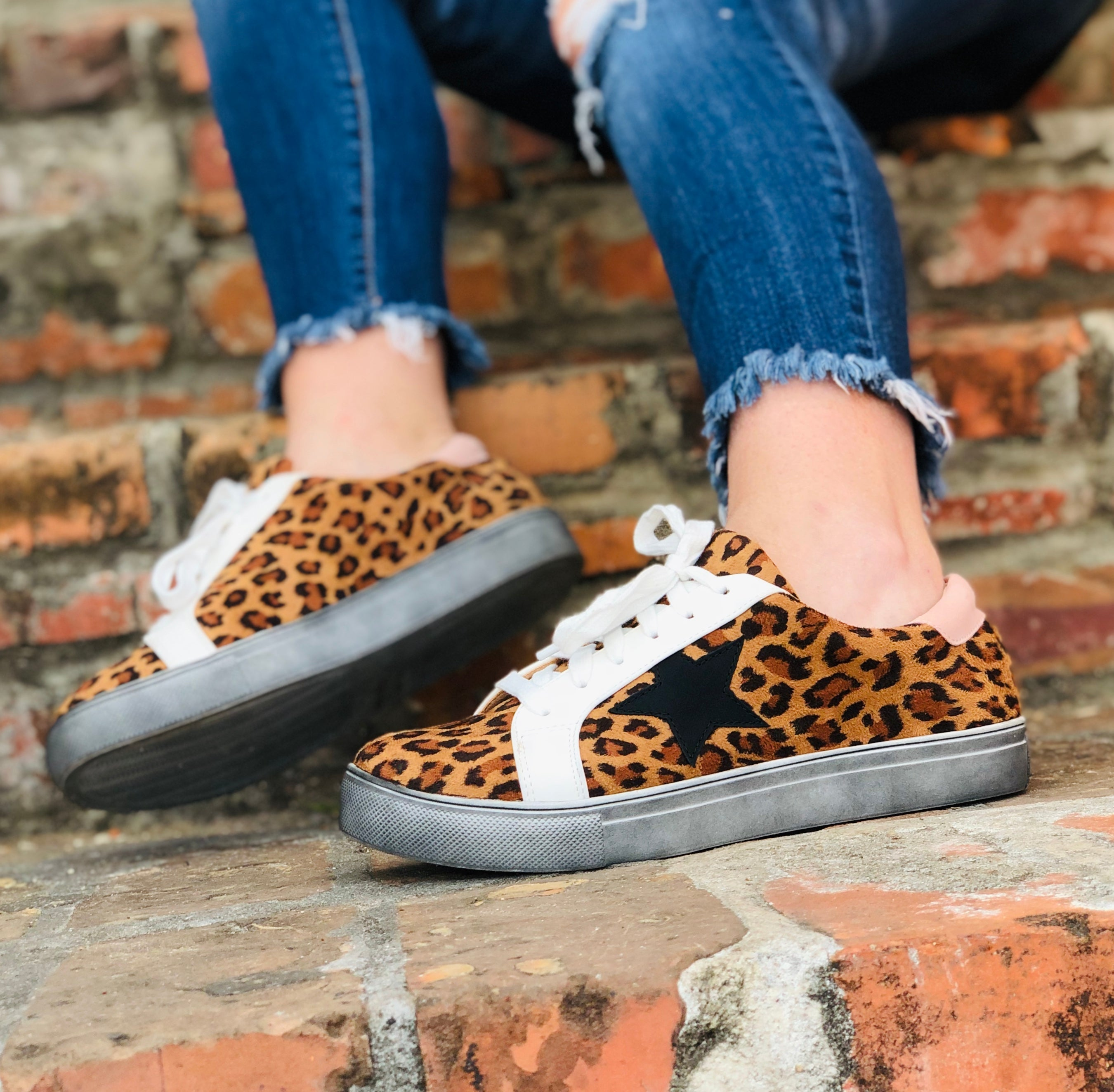 Wild Thing - Leopard Star Sneakers