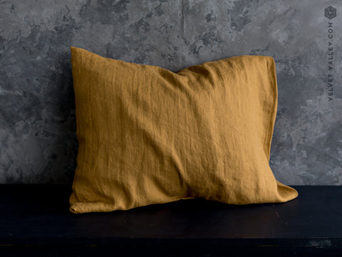 Linen dusty mustard pillow - Velvet Valley