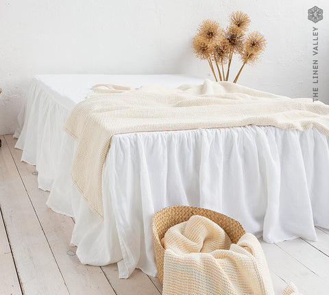 Linen bed skirt with ruffles
