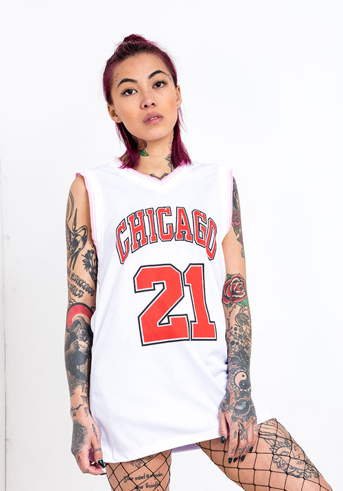 Chicago 21 V-neck vest top in white