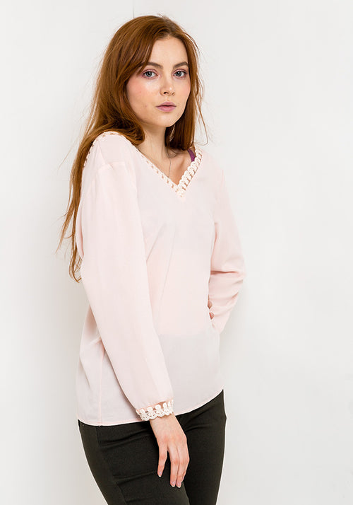 Long sleeve lace pattern blouse in pink