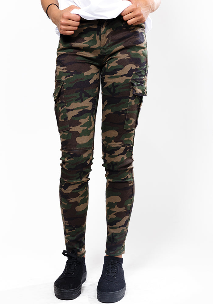 Camouflage skinny print pants with side pockets