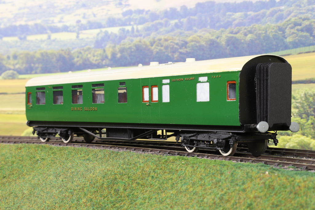 7mm Finescale O Gauge Kit Built SR Green Dining Saloon '7864'