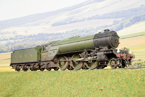 Kit Built Finescale O Gauge LNER V2 '4845' DCC Sound & Smoke, & Weathered