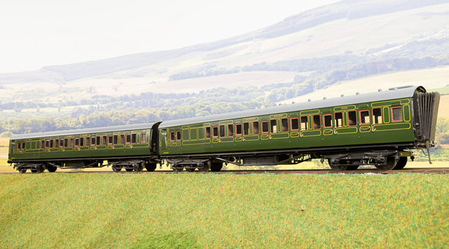 Wayoh Finescale O Gauge Pair of Southern Railway BTK Maunsell Coaches
