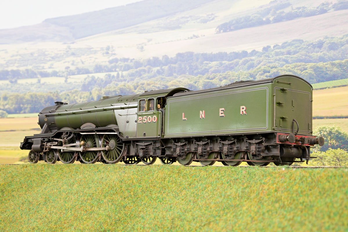 L. H. Loveless Finescale O Gauge LNER Green A3 '2500' 'Windsor Lad', Weathered