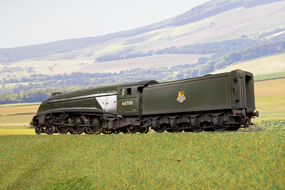 Kit Built Finescale O Gauge BR Lined Green 4-6-4 W1 '60700'
