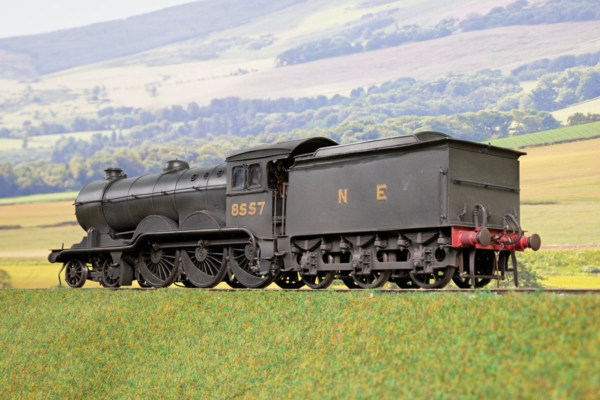 Scratch/Kit Built Finescale O Gauge NE 4-6-0 B12 '8557', Weathered