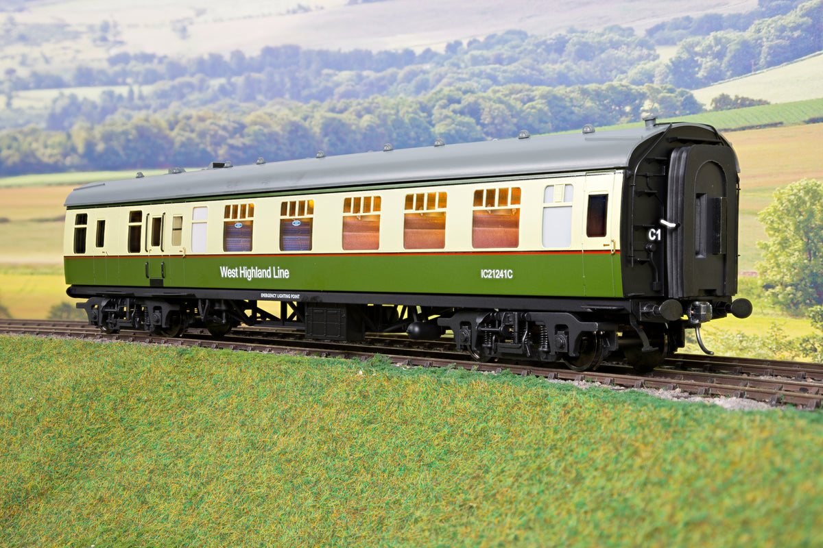 Darstaed D21-8-A Finescale O Gauge BR Mk1 Coaches West Highland (Late) 3 Coach Set