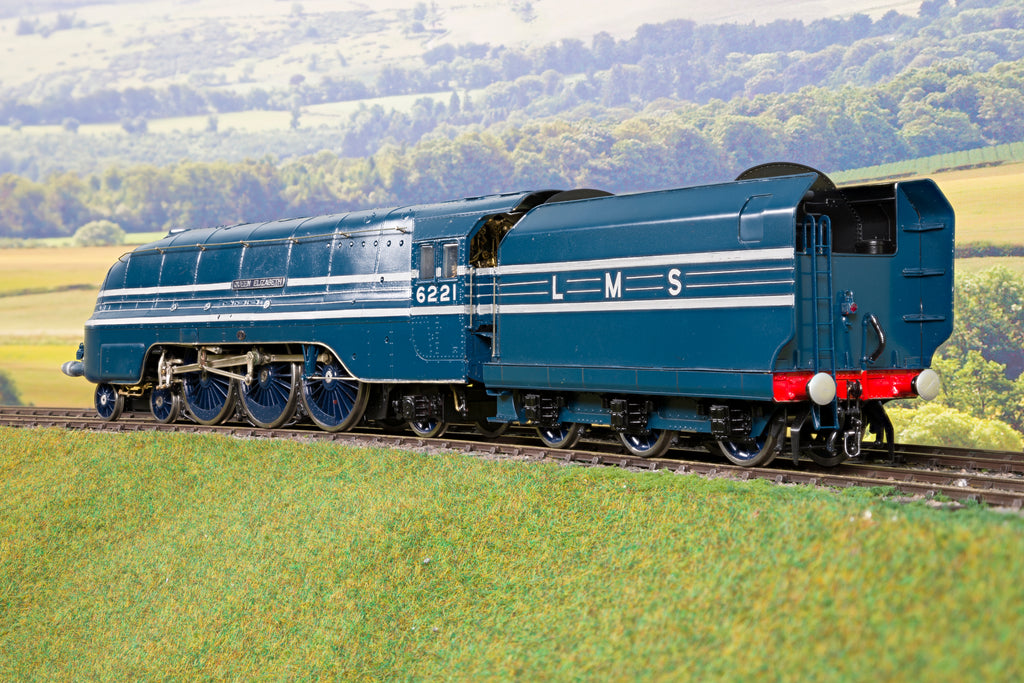 Finescale O Gauge Kit Built LMS Lined Blue Coronation Class 4-6-2 '6221' 'Queen Elizabeth' & Rake of 7 MTH Matching Coaches