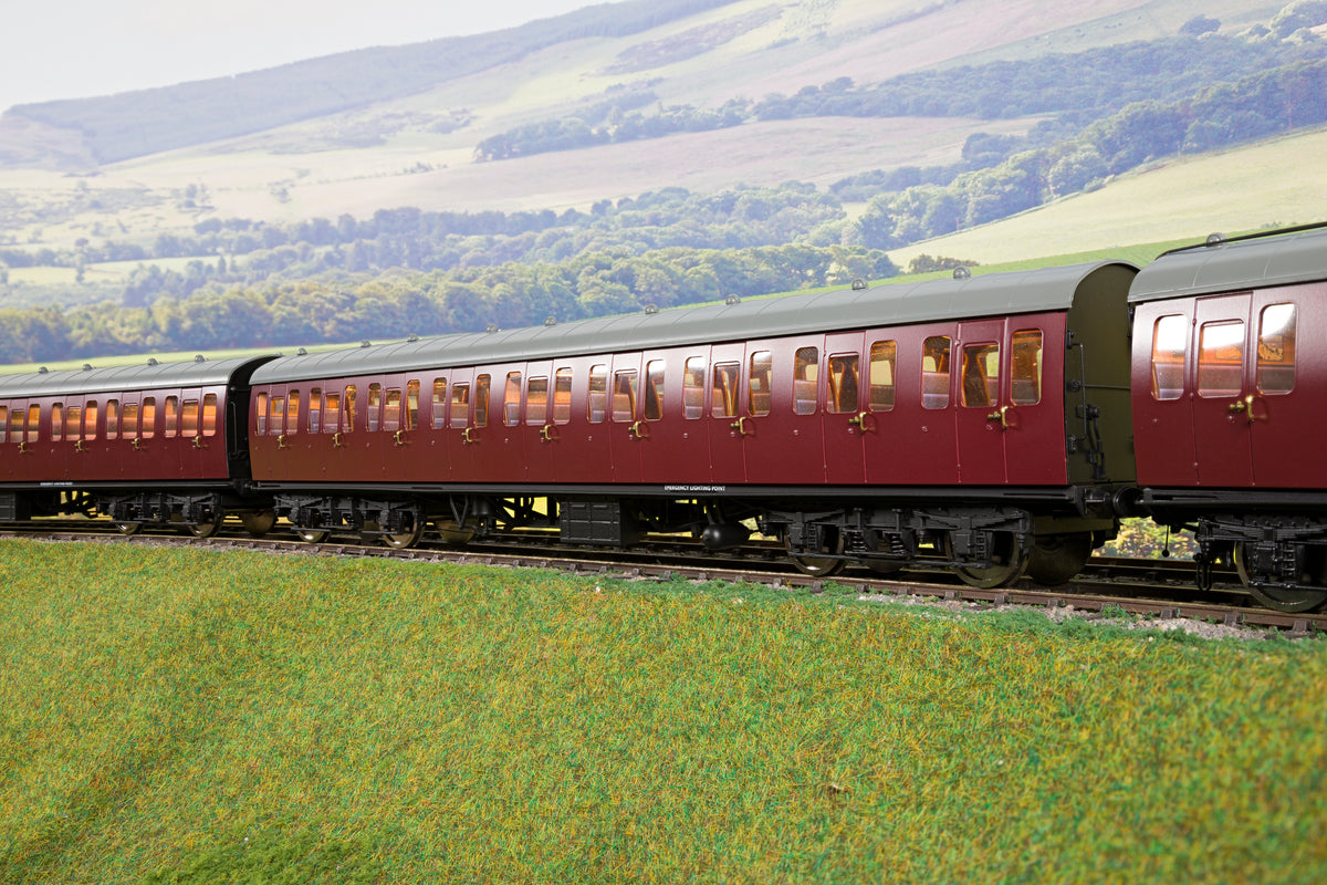 Darstaed D23-6-2 7mm Finescale O Gauge BR 57' Mk1 Suburban Second Open (SO) Coach, BR Un-Lined Maroon
