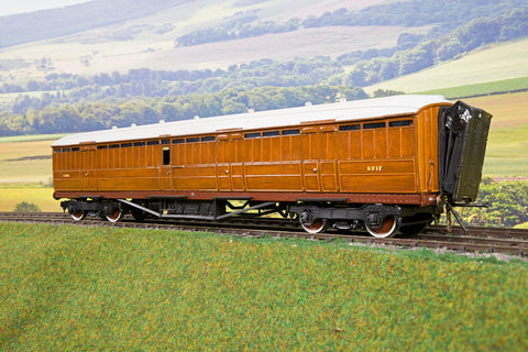 Duchess Models 7mm Finescale O Gauge Kit/Scratch Built LNER Gresley Teak Full Brake '5217'