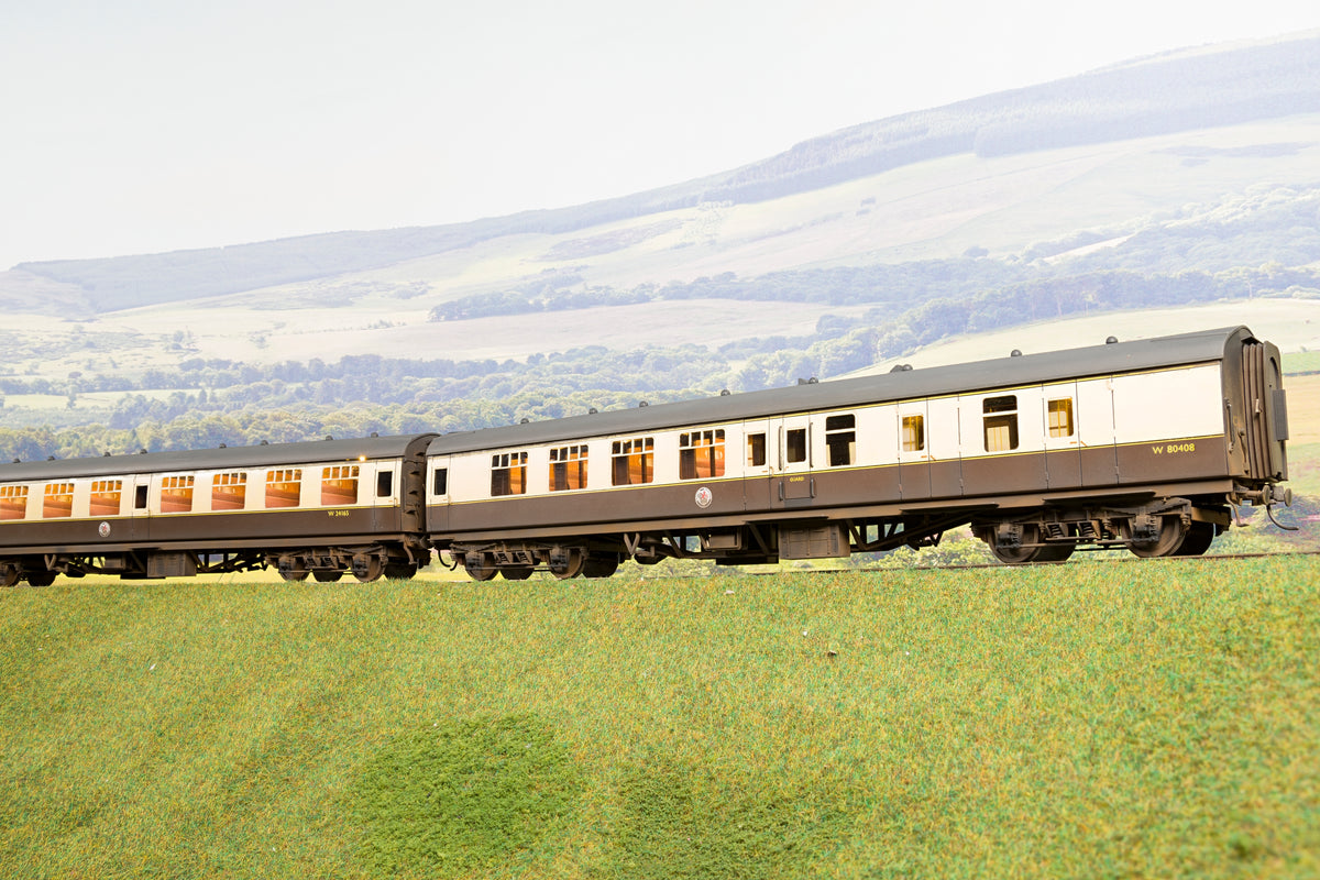 Darstaed Finescale O Gauge Rake of Four Choc & Cream Mk1 Coaches, Weathered