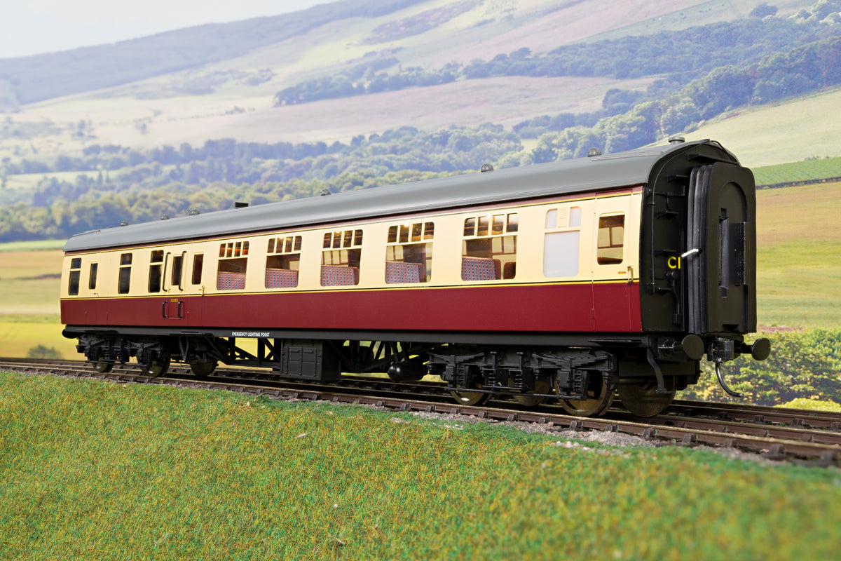 Darstaed D21-1-12 Finescale O Gauge BR Mk1 BSO (Brake Second Open), Blood & Custard