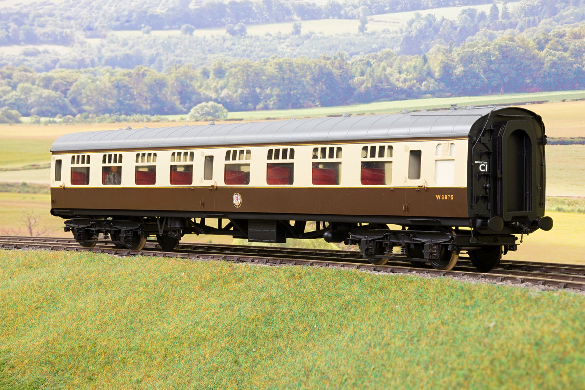 Tower Models/Sancheng BR Choc & Cream Mk1 SO 'W3875' with Passengers