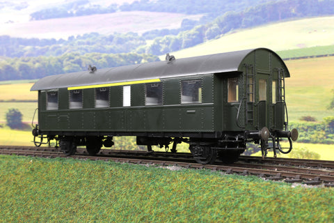 Wunder O Gauge DB/DR Green Four Wheel Passenger Coach Unlettered