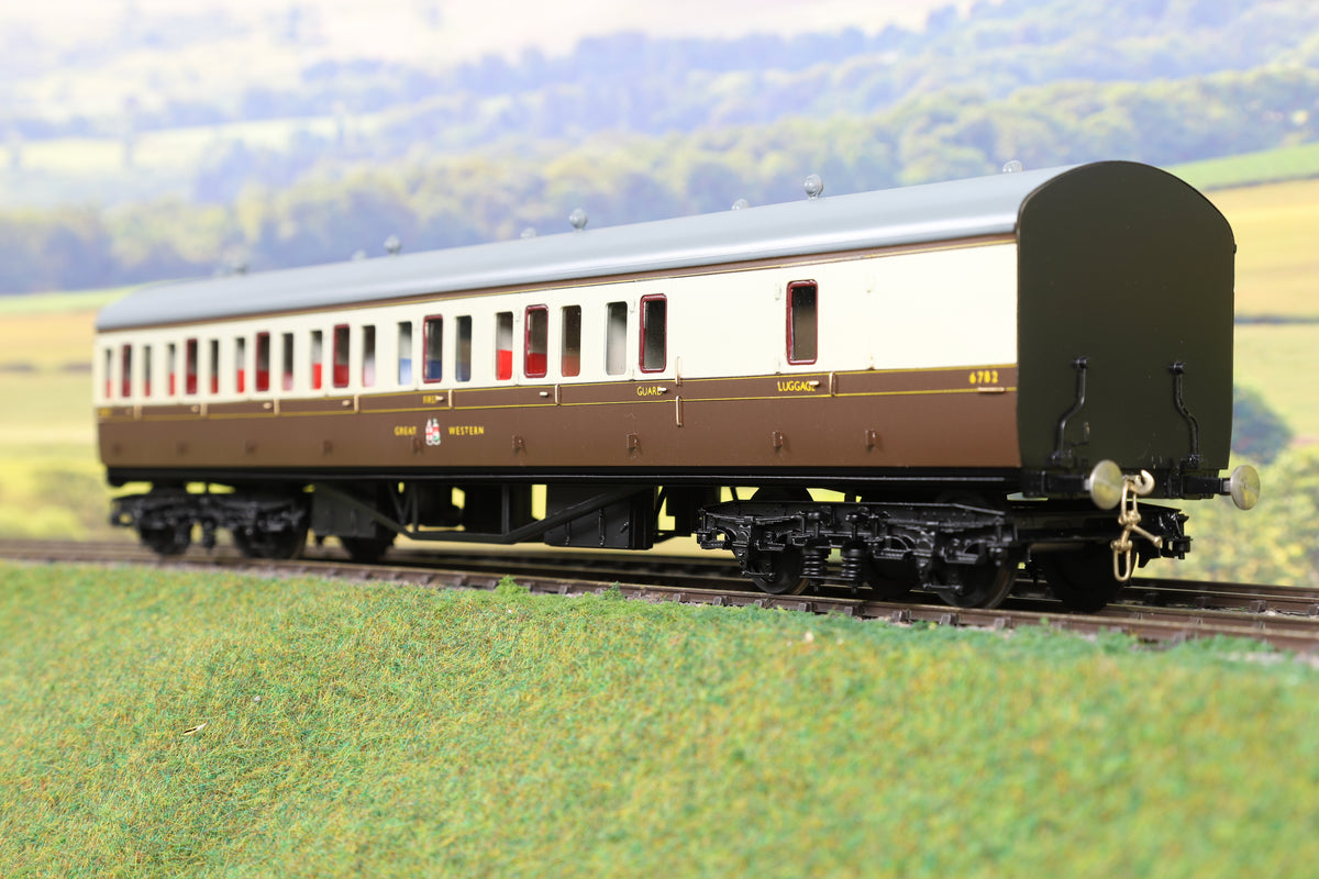 Sancheng/Tower Models 7mm Finescale O Gauge GWR Chocolate and Cream B Set