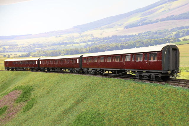 7mm Finescale O Gauge Kit Built Rake of Three Maroon Suburban Passengers Coaches